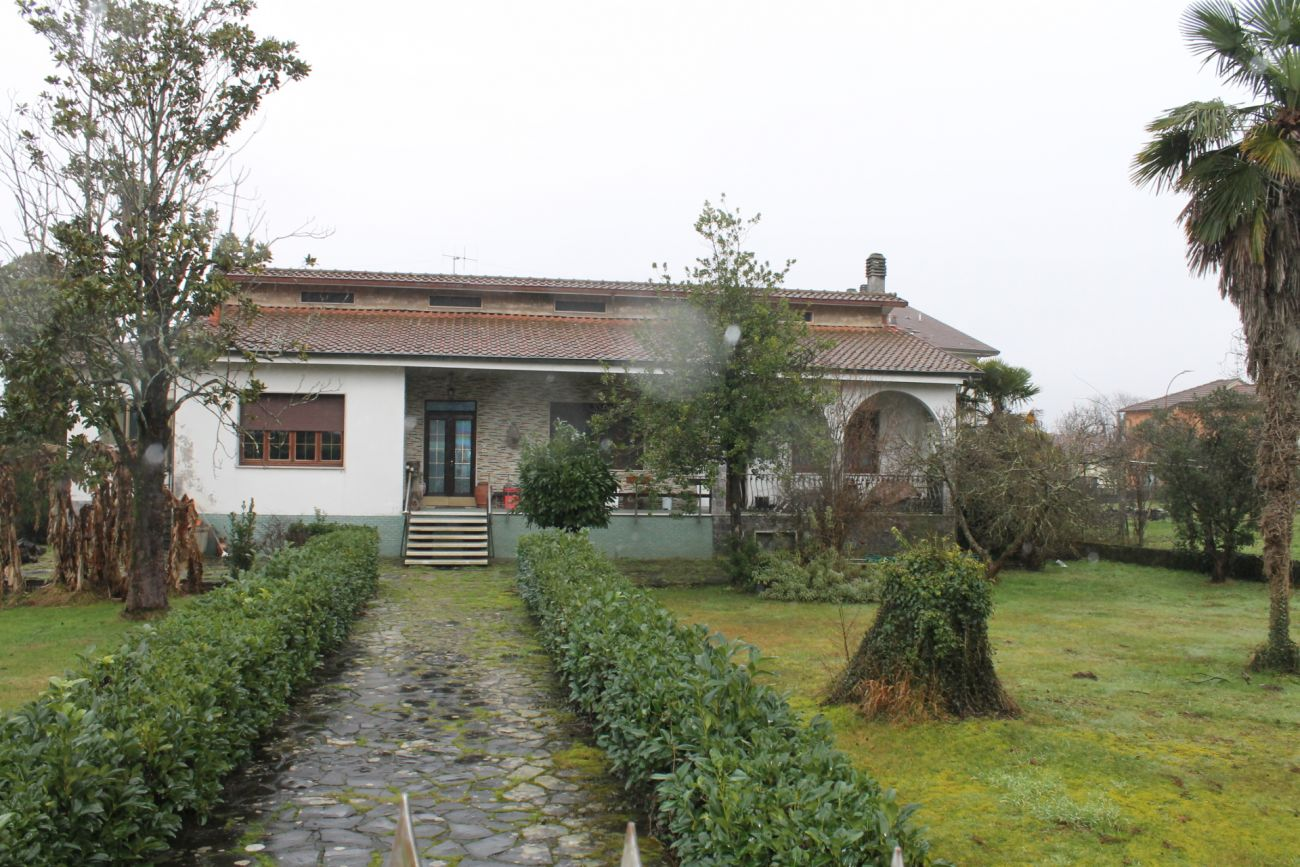 MULAZZO – VILLA WITH TWO UNITS AND LARGE LAND