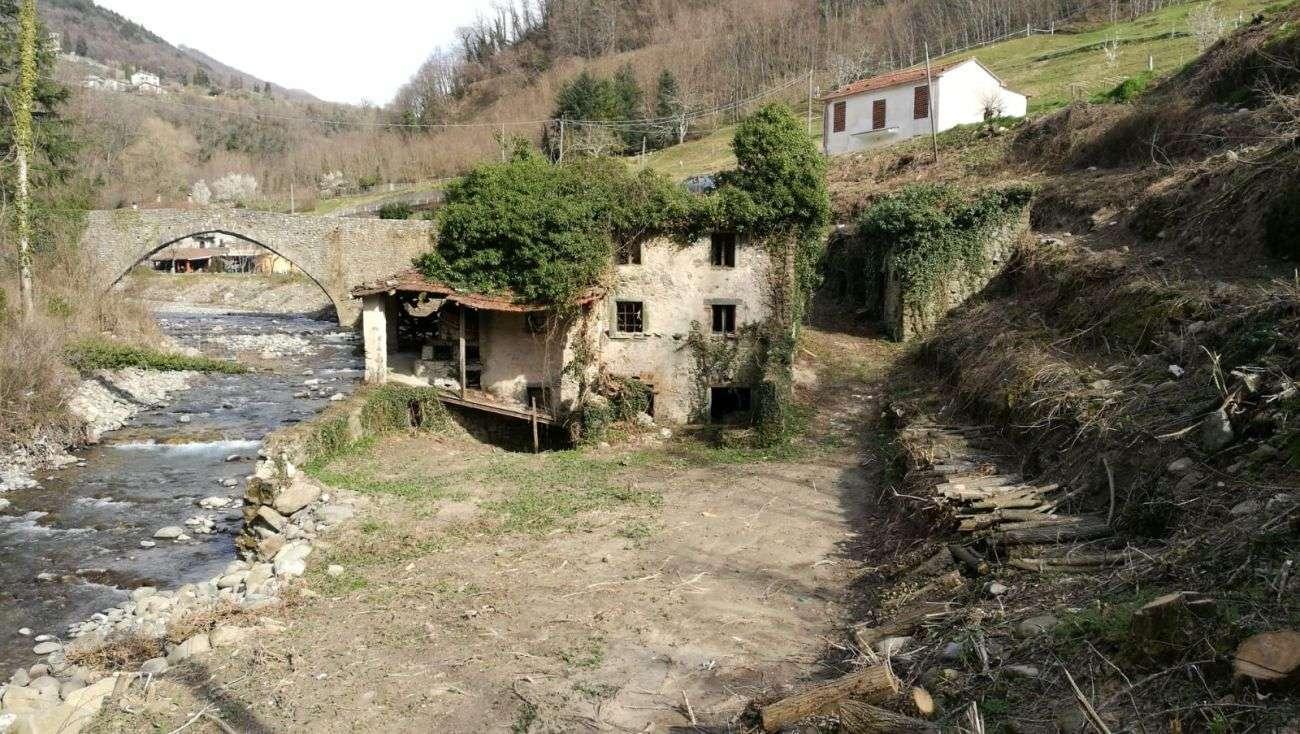 """FIVIZZANO – ANCIENT VILLAGE """"DEI TRE MULINI"""""""