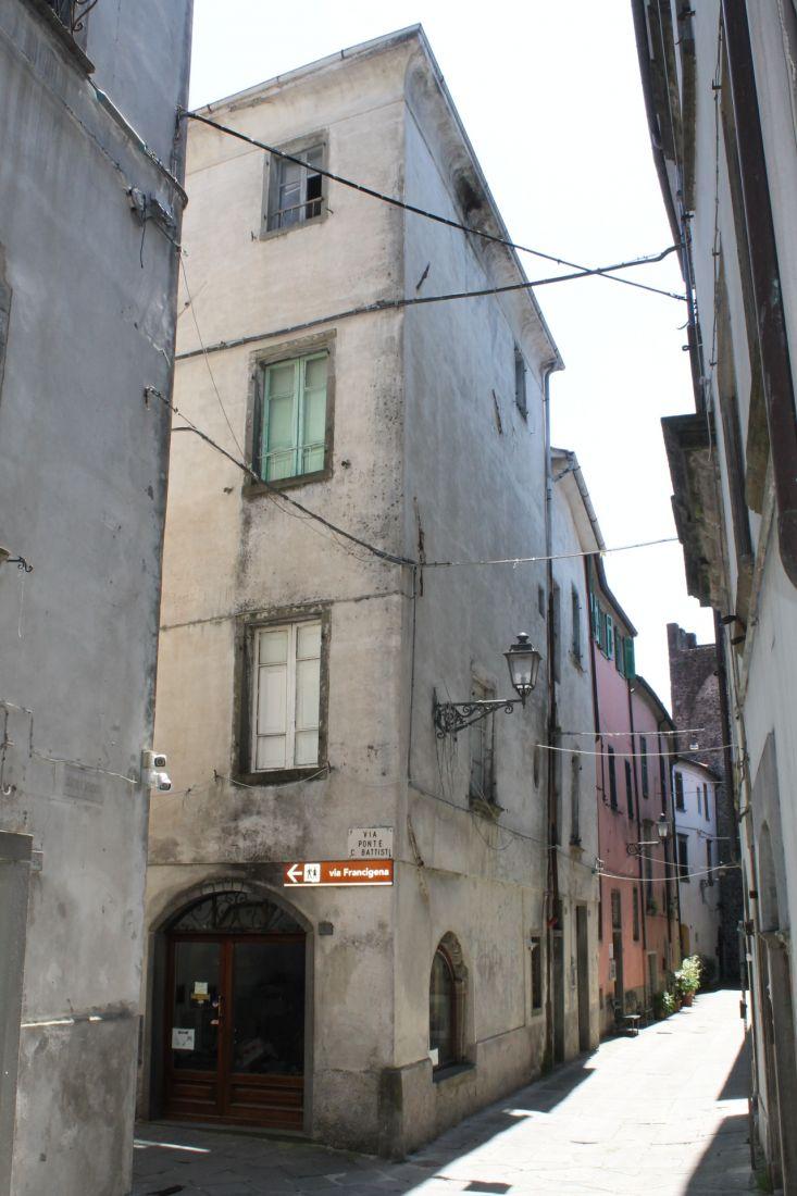 PONTREMOLI HISTORICAL CENTER – HISTORICAL BUILDING